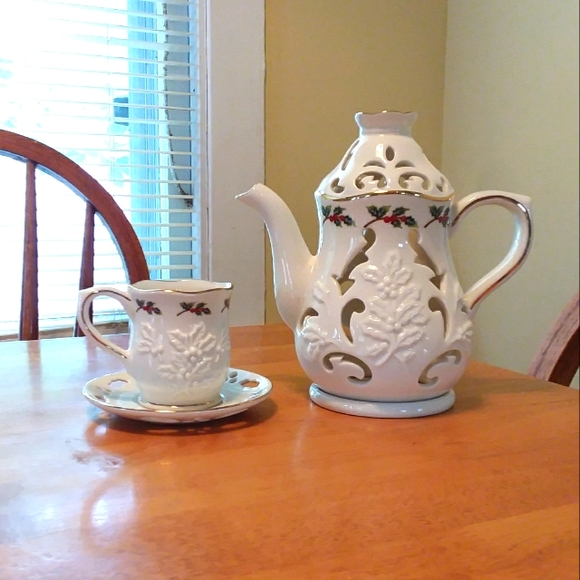 PartyliteTeapot/Cup/Saucer Candle Holder